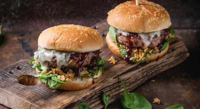 """""""Ordinate da McDonald's"""": il messaggio di Burger King per salvare il settore dei fast food"""