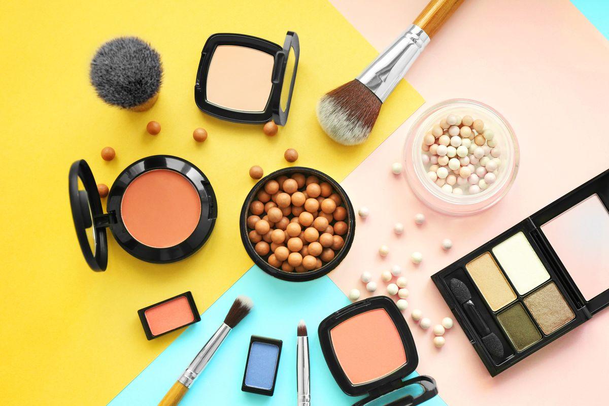 Trucchi Make-Up Pennelli Cipria Colori