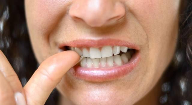 Come fare uno smalto anti rosicchia unghie naturale