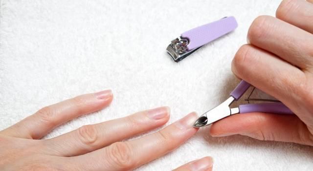 Come tagliare le pellicine delle unghie