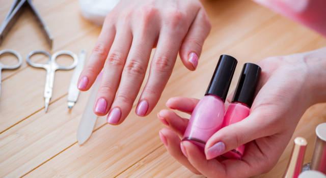 Come fare french reverse manicure