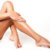 Scrub per gambe fai da te: contro i peli incarniti è l'ideale!