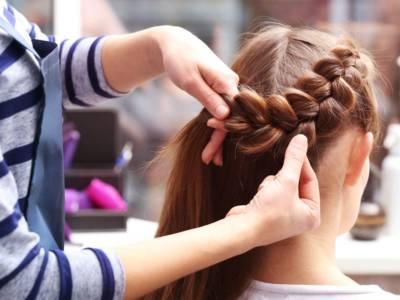 Come fare onde capelli con le trecce