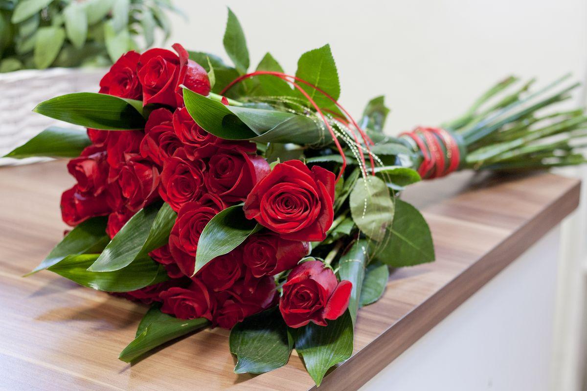 mazzo rose rosse bouquet
