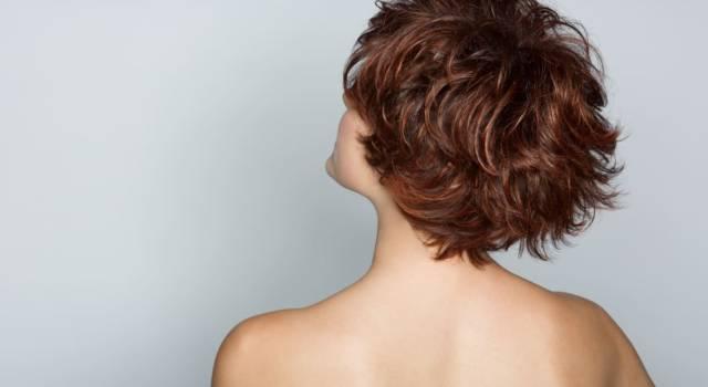 Tagli pieni di brio per chi ha i capelli corti mossi