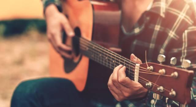 Come imparare a suonare la chitarra: ecco alcuni consigli pratici