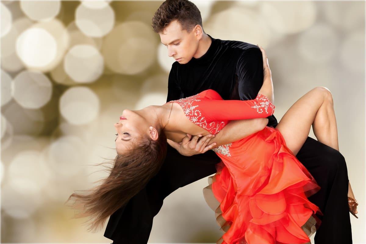 ballo coppia casche tango