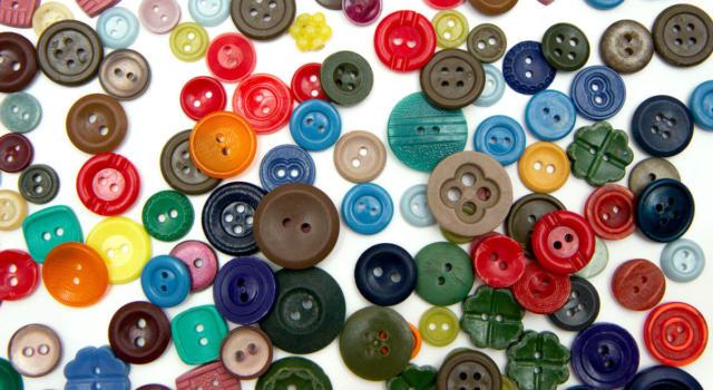 Come decorare lo zaino con i bottoni