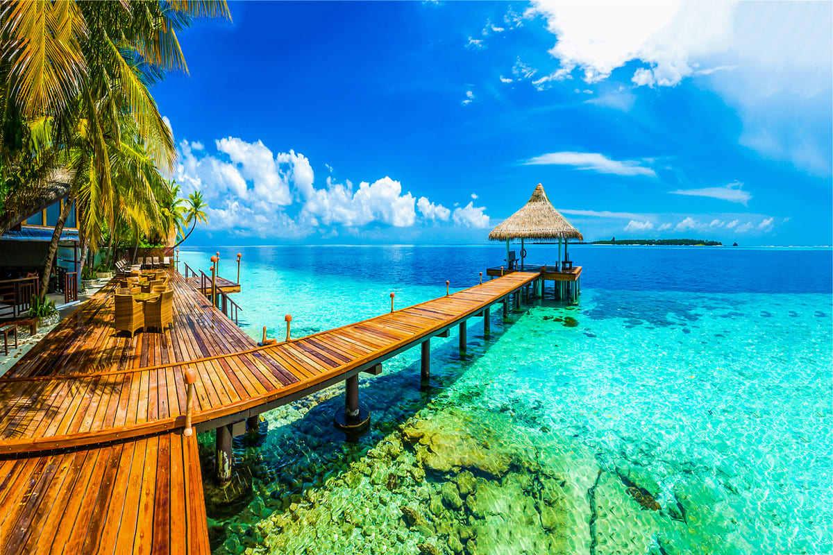 panorama maldive mare passerella legno
