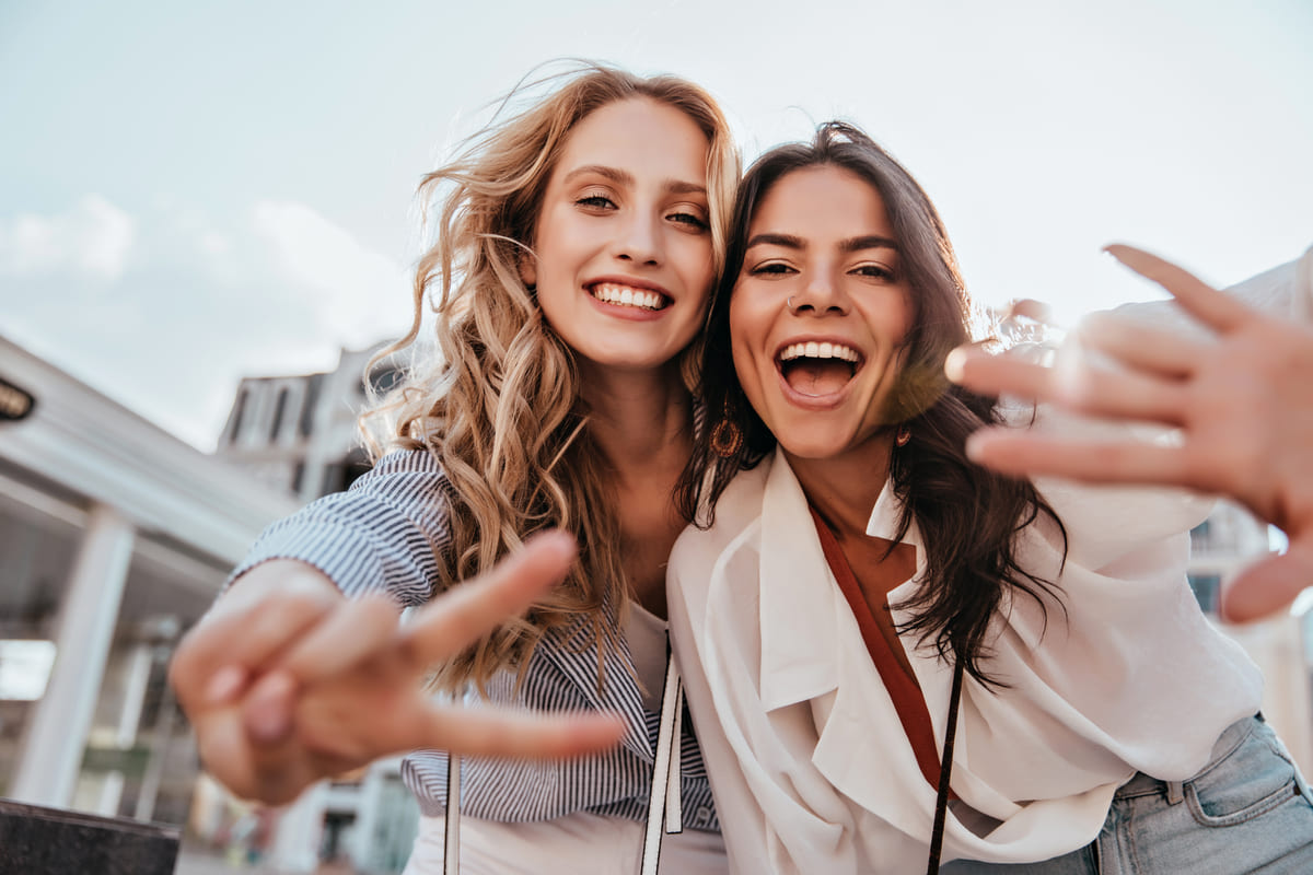 ragazze amiche divertimento
