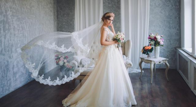 Modello abito sposa Bianca Vitali
