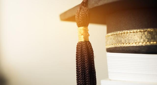 Come vestirsi per una laurea in autunno 2016 a 50 anni
