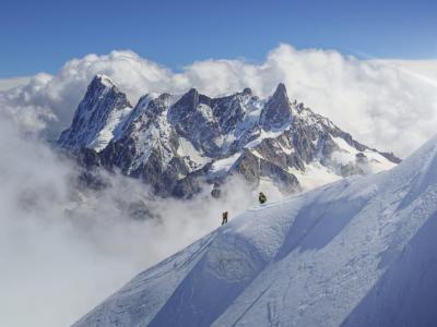 Contagio ad alta quota: primo caso di Covid sul monte Everest