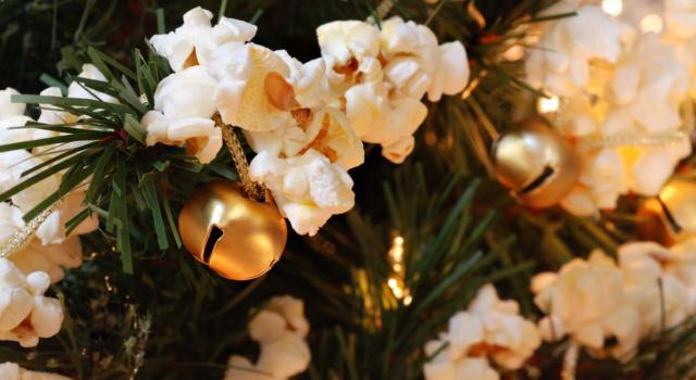 Come preparare decorazioni Natale con popcorn