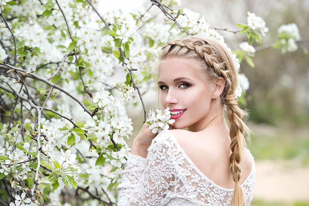 donna sposa capelli acconciatura treccia