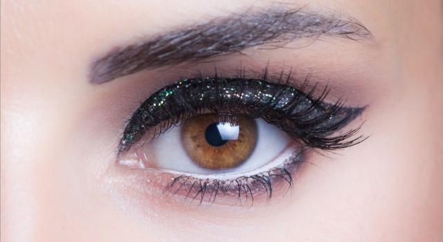 Make up glitter per occhi castani