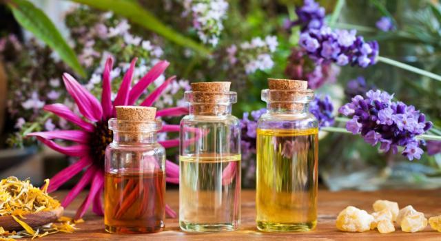 Come fare gli oli essenziali in casa