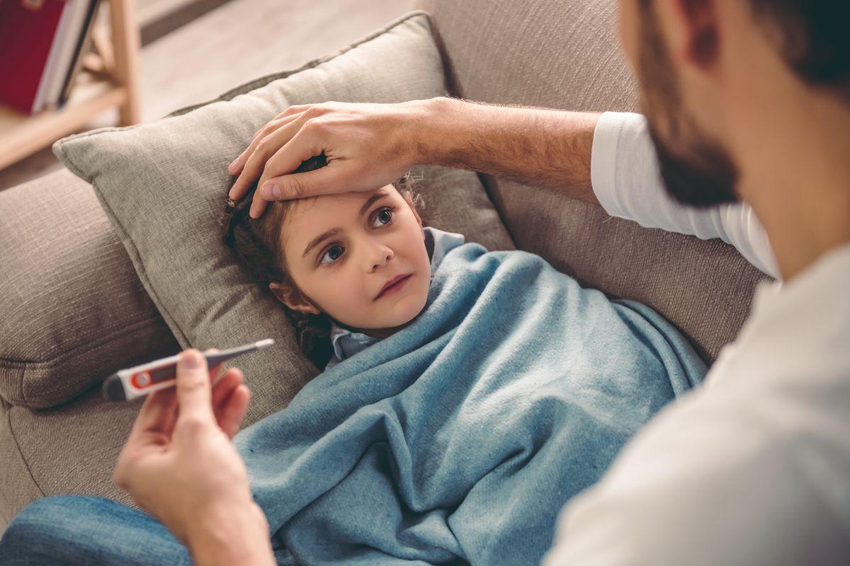 Bambina febbre malattia