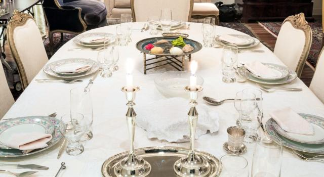 Idee geniali ed economiche per decorare la tavola di Pasqua