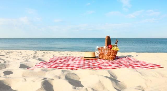 Pranzo in spiaggia per la dieta