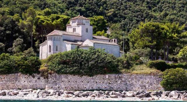 Visitare la Chiesa di Santa Maria di Portonovo