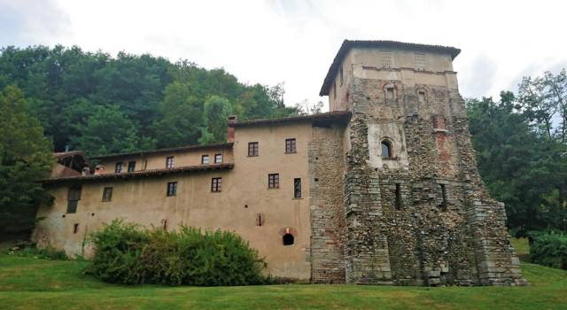 Visitare il Monastero di Torba