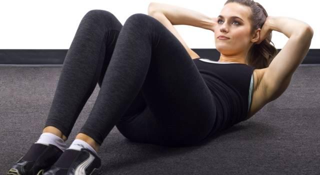 Addominali perfetti con esercizi fai da te