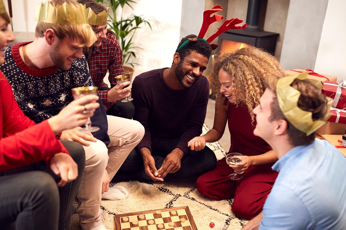 amici festa gioco alcolico dama