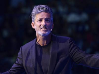 Chi è Fiorello, l'inarrestabile showman che fu bocciato da Pippo Baudo
