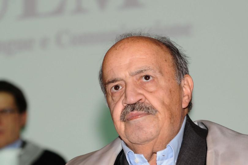 Maurizio Costanzo difende Belen Rodriguez dopo un'accusa