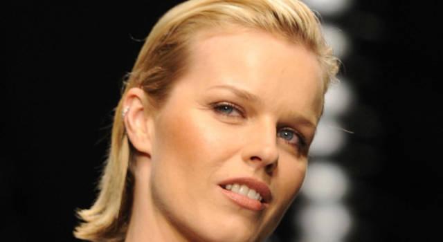 6 curiosità su Eva Herzigova: il colpo di fulmine e il successo come supermodella