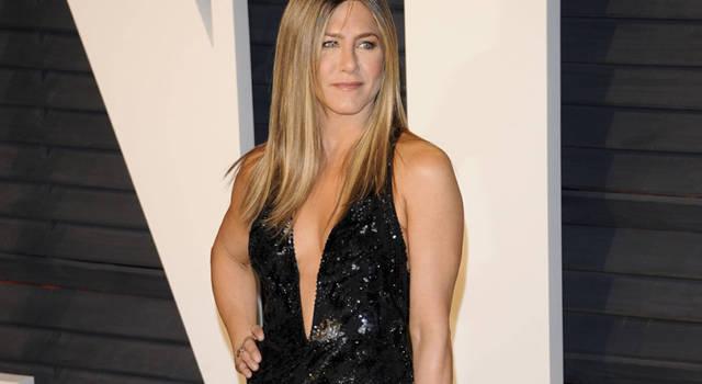 Paura per Jennifer Aniston e Courtney Cox: l'atterraggio d'emergenza!