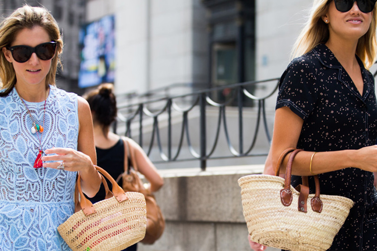 Borsa di paglia: qualche idea su come indossarla anche in città