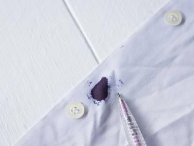 Macchie di inchiostro: i rimedi della nonna per eliminarle