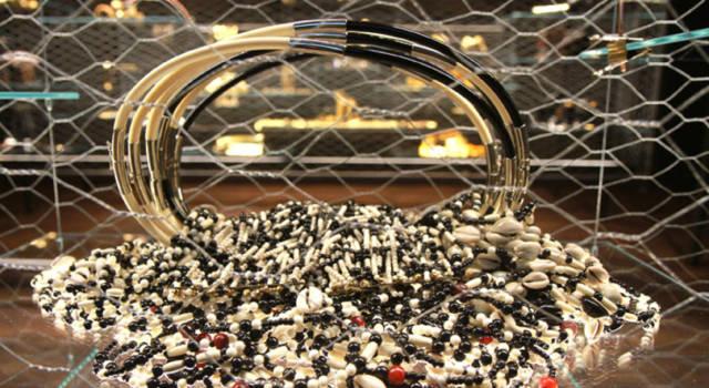 Gianfranco Ferré, sotto un'altra luce: la mostra di gioielli e ornamenti a Torino