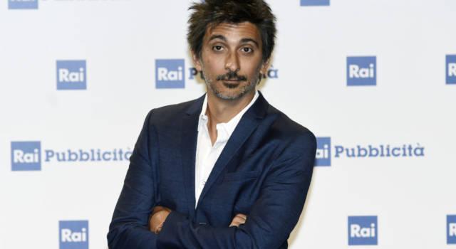 Sapevi che Fabrizio Biggio ha lavorato con Simona Ventura? Tutte le curiosità sul simpatico conduttore!