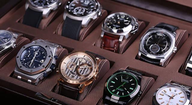 Regali per Natale, tornano di moda gli orologi
