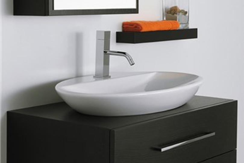 Idee su come arredare un bagno piccolo for Mobiletto bagno piccolo