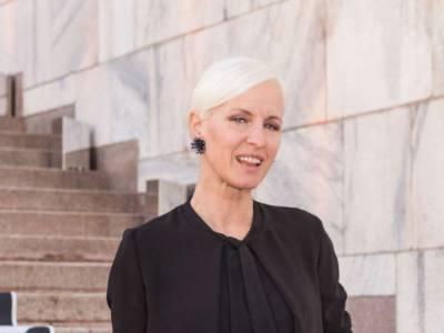 Chi è Carla Gozzi: tutto sulla conduttrice ed esperta di moda!