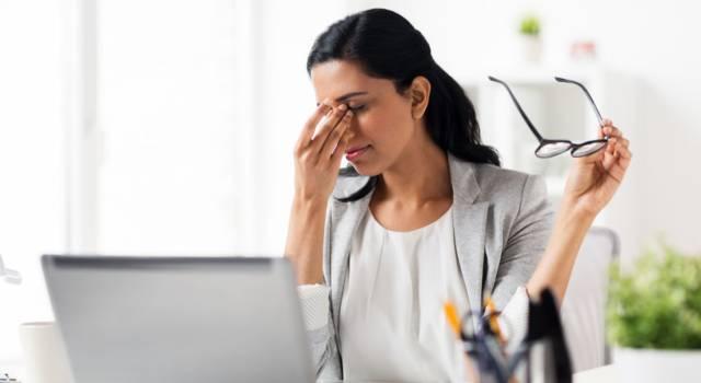 Occhi stanchi e pesanti: ecco come prendersene cura, le cause e i sintomi