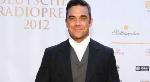 6 curiosità su Robbie Williams: dai Take That alla carriera da solista