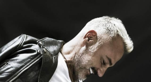 Gianluca Vacchi balla sui tacchi a spillo: il video è virale!