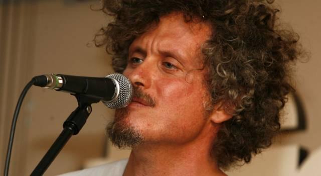 Tutto su Niccolò Fabi: dalla tragica scomparsa di sua figlia Olivia alla vita privata del cantautore