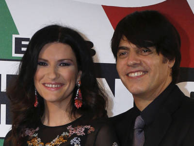 Chi è Paolo Carta? 3 chicche sul compagno di Laura Pausini