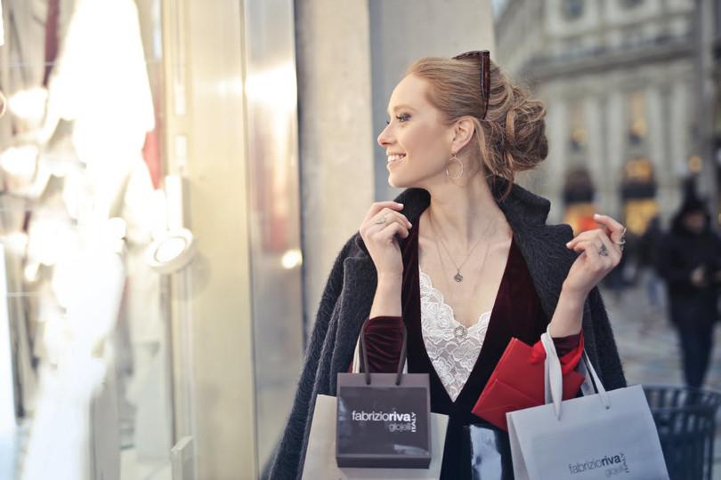 Dove comprare abiti firmati a poco prezzo online e nei negozi for Dove comprare mobili a poco prezzo