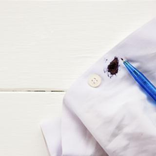 Come eliminare le macchie di penna e di biro?