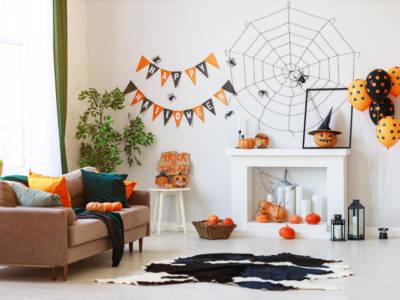 Decoriamo la casa per Halloween con zucche, scheletri, ragnatele e… buongusto!