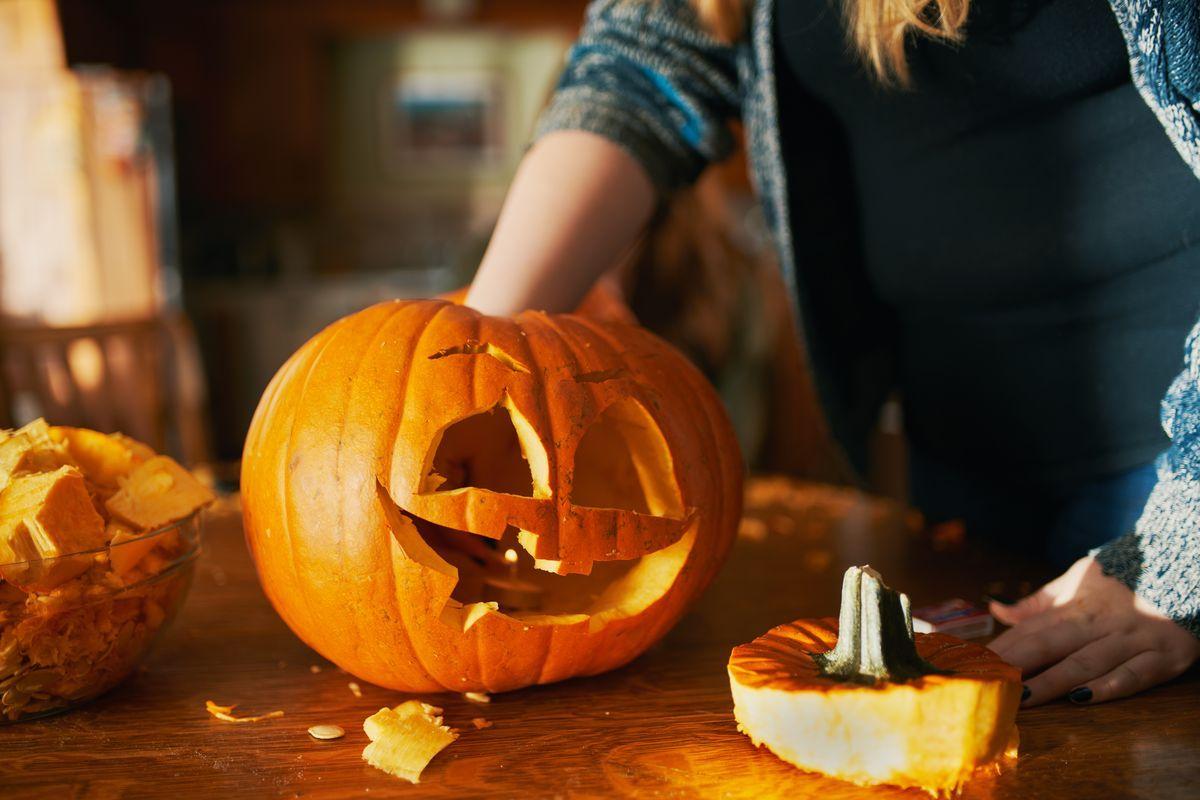 Intagliare Zucca Per Halloween Disegni zucca di halloween: come decorarla, intagliarla e farla