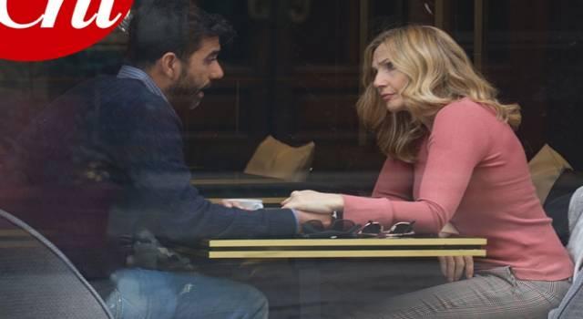 Lorella Cuccarini: chi è l'uomo misterioso con lei al bar?