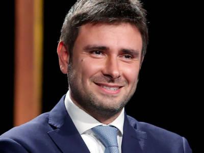 Alessandro Di Battista: chi è l'ex deputato del M5S, tra vita privata e curiosità
